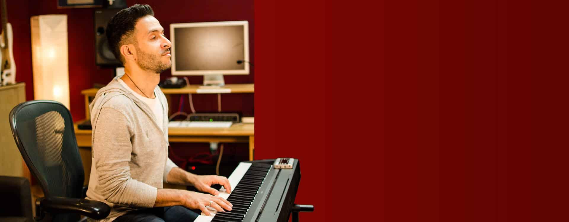 Vocal Coach London - Singing Teacher London | Sonic Crew